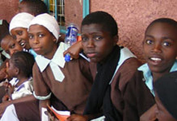 los-rotarios-combaten-el-sida-en-africa-oriental