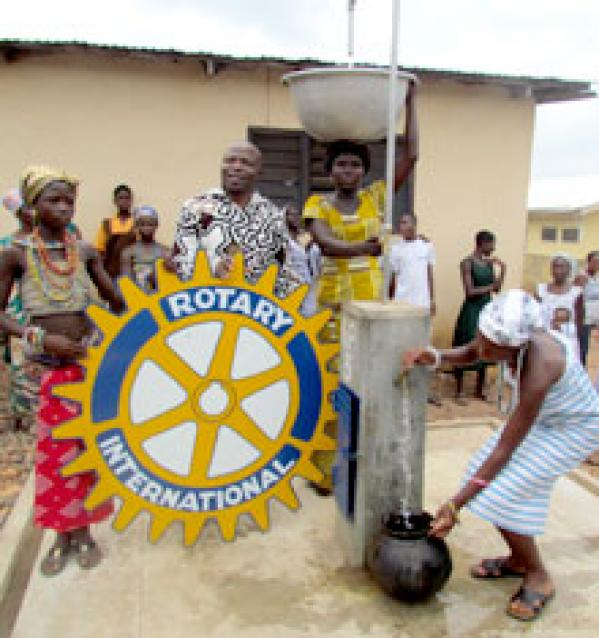 sistema-mecanico-brinda-agua-potable-a-10000-habitantes-en-ghana